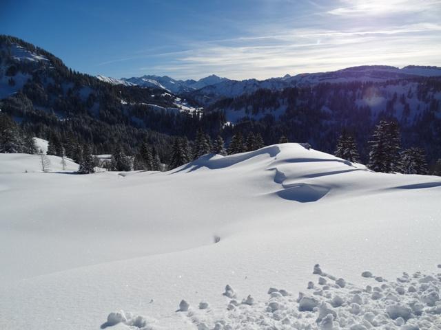 Herrliche Ausblicke vom Winterwanderweg