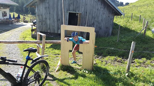 Fahrrad-Schlupfloch Alpe Dinijörgen