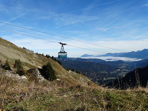 Walmendigerhornbahn - der Grünten ganz hinten im Bild im Wolkenmeer